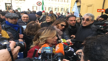 11 - FdI con Meloni in piazza per dire no alla fatturazione elettronica