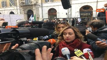 8 - FdI con Meloni in piazza per dire no alla fatturazione elettronica