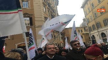 2 - FdI con Meloni in piazza per dire no alla fatturazione elettronica