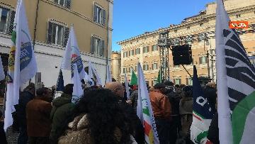 12 - FdI con Meloni in piazza per dire no alla fatturazione elettronica
