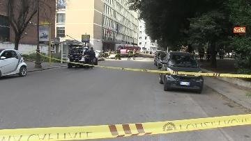 9 - Maltempo, paura in centro a Roma crolla un albero in Viale Mazzini, 2 feriti gravi