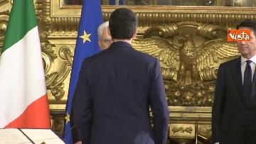 1 - Il giuramento di Fraccaro, il Ministro dei Rapporti con il Parlamento