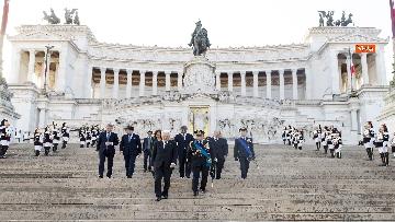 8 - Mattarella all'Altare della Patria per la festa delle forze armate
