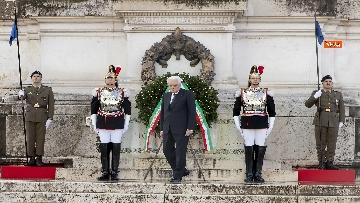 6 - Mattarella all'Altare della Patria per la festa delle forze armate