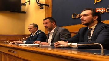 8 - Droga, Lega presenta ddl per raddoppiare pene, la conferenza con Salvini immagini