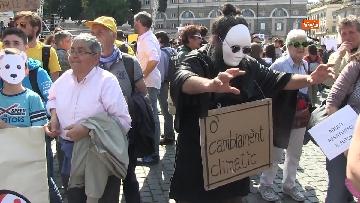 7 - Greta Thunberg alla manifestazione per il clima a Roma