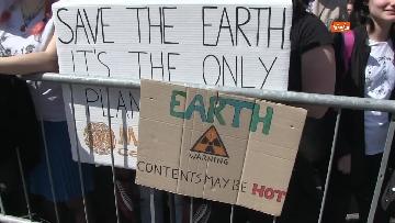 8 - Greta Thunberg alla manifestazione per il clima a Roma