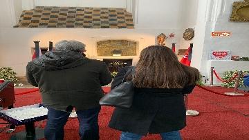 1 - Giacetti e Ascani omaggiano il sindaco di Danzica assassinato