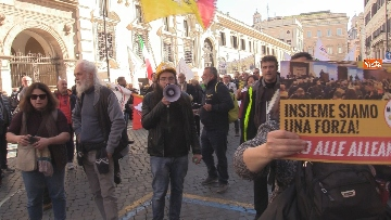 6 - Movimento Cinque Stelle manifesta conro i vitalizi a Roma