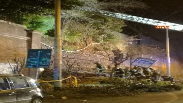 4 - Crollano le mura di Villa Mercede a Roma, paura nel quartiere San Lorenzo