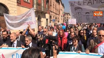 2 - Congresso Famiglia, la manifestazione pro family sfila per le vie di Verona