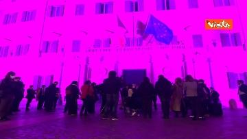 1 - Palazzo Montecitorio in rosa per la lotta al tumore al seno, Fico accende l'illuminazione