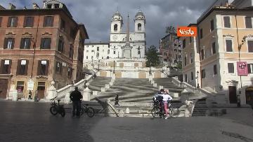 9 - Pasquetta in zona rossa a Roma, controlli a tappeto e piazze semivuote in centro