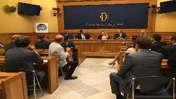 2 - Simone Furlan aderisce a FdI, la conferenza stampa a Montecitorio con la Meloni