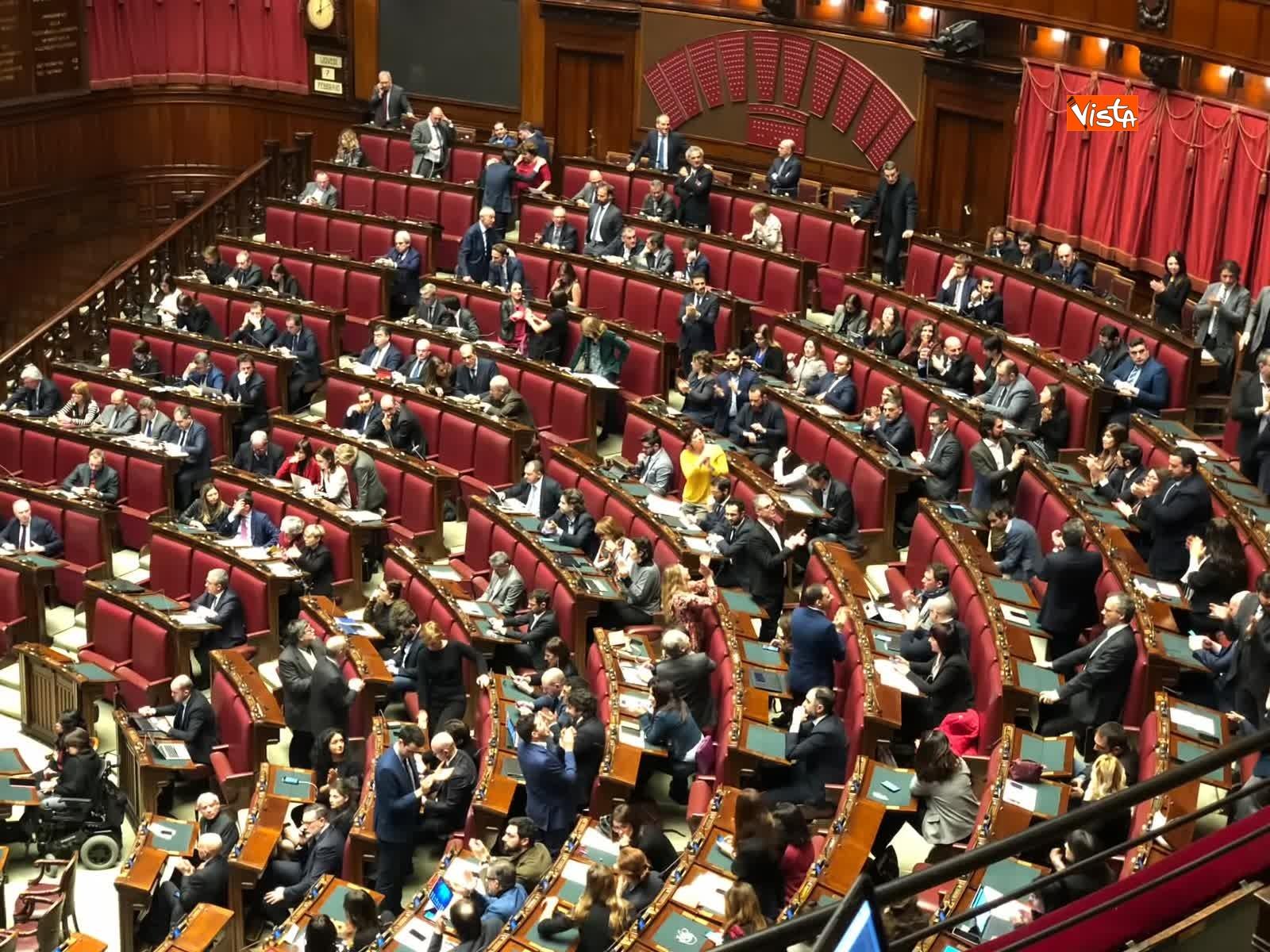 07-02-19 Tria parla in aula, interrotto risponde a un deputato stai zitto e scoppia la bagarre_04