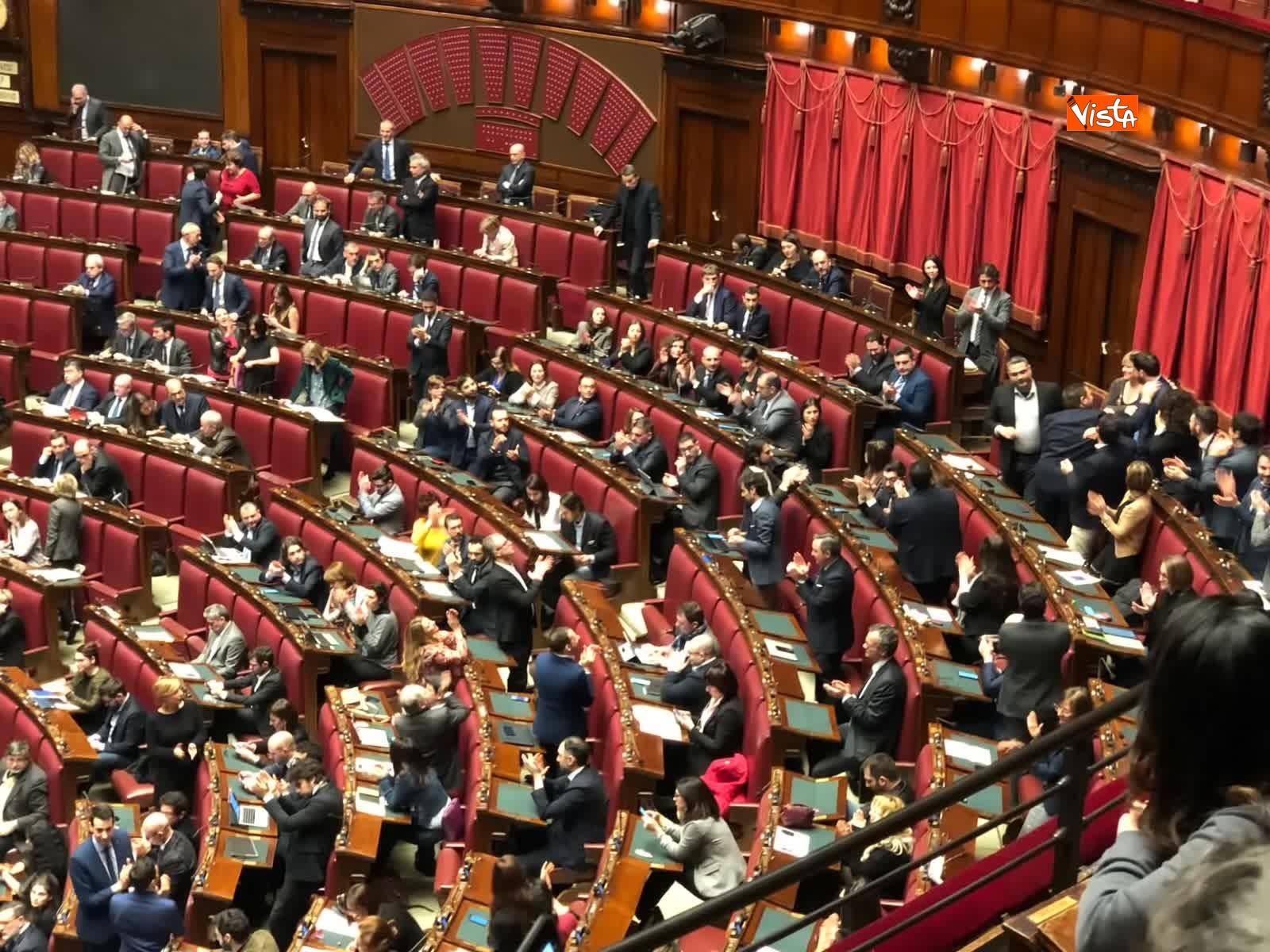 07-02-19 Tria parla in aula, interrotto risponde a un deputato stai zitto e scoppia la bagarre_05