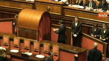 1 - Le prime votazioni per il presidente del Senato con Renzi, Salvini, Iwobi, Segre, Casini, Bossi, Bernini, Bonino, Galliani, Bongiorno, Martelli