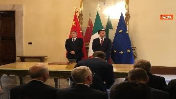 2 - Italia-Cina, Di Maio e vicepremier Li Hongzhong alla firma di 6 accordi commerciali