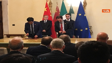 10 - Italia-Cina, Di Maio e vicepremier Li Hongzhong alla firma di 6 accordi commerciali