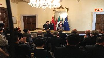 7 - Italia-Cina, Di Maio e vicepremier Li Hongzhong alla firma di 6 accordi commerciali