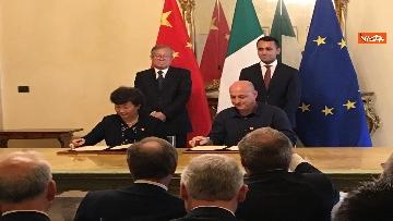 8 - Italia-Cina, Di Maio e vicepremier Li Hongzhong alla firma di 6 accordi commerciali