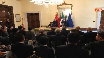6 - Italia-Cina, Di Maio e vicepremier Li Hongzhong alla firma di 6 accordi commerciali