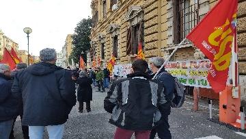 3 - I sindacati di base USB manifestano al Mef, sciopero nazionale di sanità, scuola, trasporti
