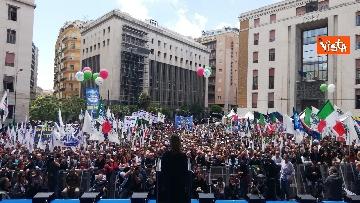 2 - Europee, Meloni chiude campagna elettorale a Napoli, il comizio in piazza Matteotti