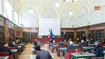 4 - L'incontro per gli auguri di Natale tra la Presidente del Senato Casellati e la stampa parlamentare