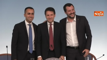 4 - Decreto fiscale. Conte, Di Maio e Salvini in conferenza stampa immagini