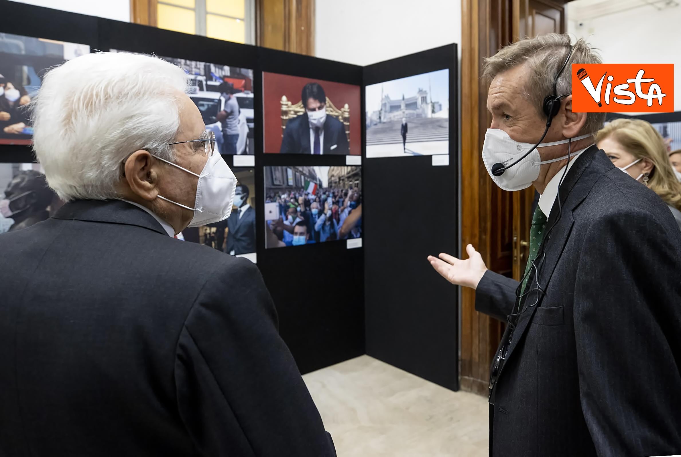 13-10-20 Mattarella visita la mostra Lockdown Italia presso la Stampa Esteri, le immagini