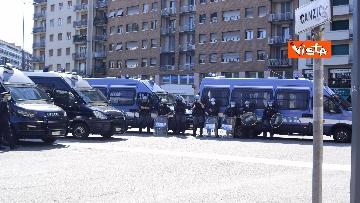 1 - Manifestazione Loreto, Rete anarchica milanese in corteo lungo via Padova