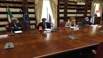2 - Franceschini e Cai firmano protocollo per turismo montano sostenibile