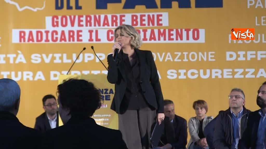 05-05-18 La cantante Tosca - Zingaretti lancia Alleanza del Fare 01_325777444267604520911