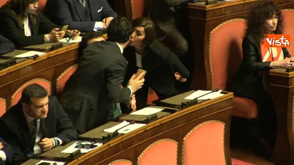 24-03-18 Bernini lancia un bacio a Salvini dopo un breve incontro 01_26844564104823075539
