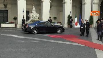 1 - Conte si insedia a Palazzo Chigi, primo giorno da presidente del Consiglio