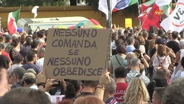 6 - Protesta contro il green pass a Piazza San Giovanni a Roma. Le foto