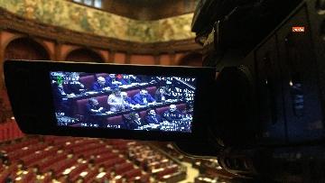 6 - Migranti, la protesta di FdI in aula Camera contro Global compact 'Stop invasione'