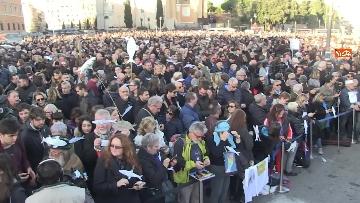 2 - Le sardine riempiono piazza San Giovanni a Roma