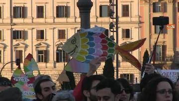 17 - Le sardine riempiono piazza San Giovanni a Roma