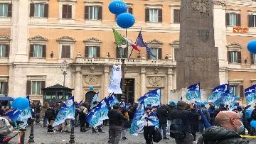 9 - Sanità, la manifestazione degli infermieri in piazza Montecitorio