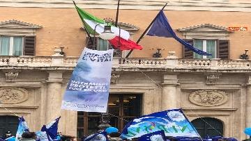 6 - Sanità, la manifestazione degli infermieri in piazza Montecitorio