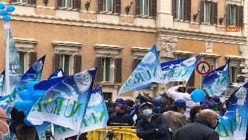 8 - Sanità, la manifestazione degli infermieri in piazza Montecitorio