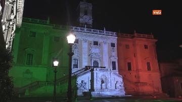 7 - Il Campidoglio si illumina con il tricolore
