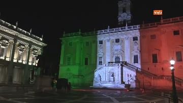 1 - Il Campidoglio si illumina con il tricolore