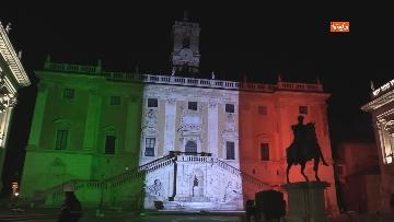 6 - Il Campidoglio si illumina con il tricolore