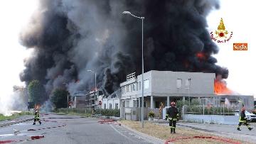 6 - Incendio ad azienda di vernici in provincia di Vicenza