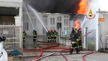 3 - Incendio ad azienda di vernici in provincia di Vicenza