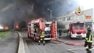 5 - Incendio ad azienda di vernici in provincia di Vicenza