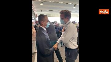 3 - L'arrivo dell'ultimo aereo da Kabul con il console italiano Claudi, ad accoglierlo Di Maio